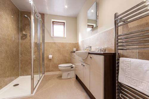 Bathroom for Large Superking Bedroom