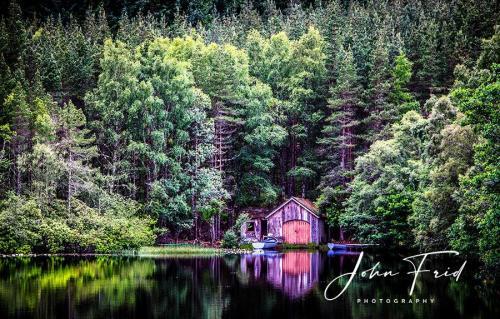 Loch-Farr-Boathouse 7552