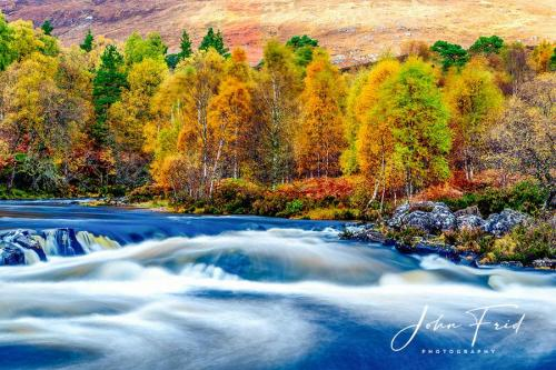 River-Affric-in-Autumn-Colours